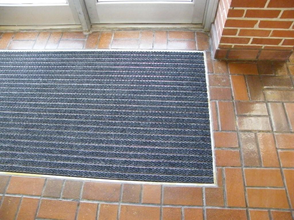 Recessed Aluminum Footgrille Entrance Matting