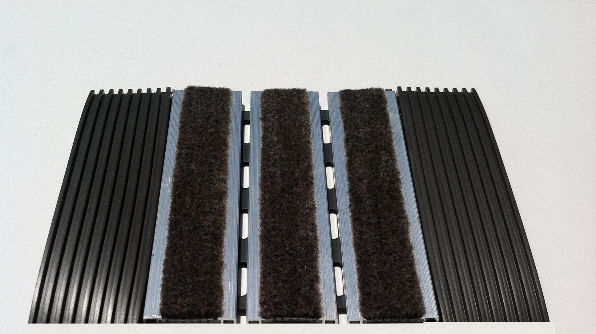 "Rubber Hinge Aluminum Rollup Mat - 3/8"""