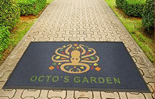 Outdoor logo mat using the Waterhog Inlay logo mat process with Standard rubber edges