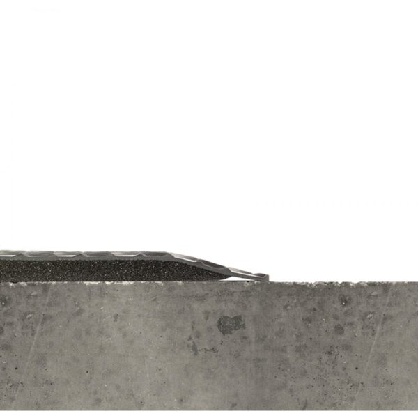 Side View Beveled Edges of Diamond Plate Spongecote 415 antifatigue matting